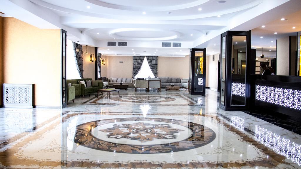 Corniche Family Hotel